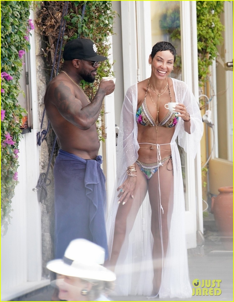 nicole murphy antoine fuqua kiss by the pool 014325438