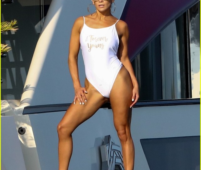 Jennifer Lopezs Sexy Yacht Photo Shoot Will Keep Your Summer