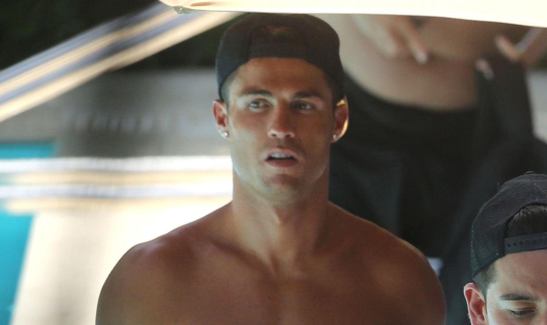 Cristiano Ronaldo Kisses Blonde Fitness Model At Miami