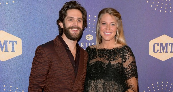 Thomas Rhett Gets Support From Pregnant Wife Lauren Akins at 2019 CMT Artists of the Year