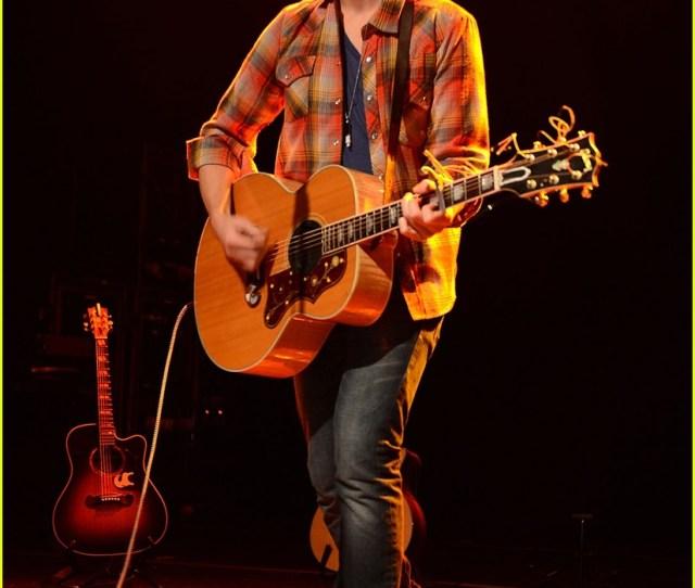 Tyler Hilton Gramercy Concert 06