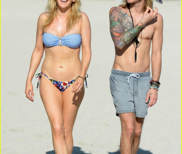 Ellie Goulding Shows Off Her Bikini Body In Miami 05