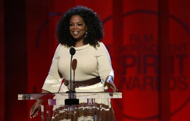 "Entertainer and producer Oprah Winfrey arrives to introduce a clip from her Best Feature nominated film ""Selma"" at the 2015 Film Independent Spirit Awards in Santa Monica, California February 21, 2015. REUTERS/Adrees Latif/File Photo"