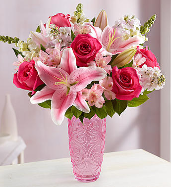 Normally $70, the large version of this arrangement is 15 percent off with the code DAILYCALLER (Photo via 1800flowers.com)