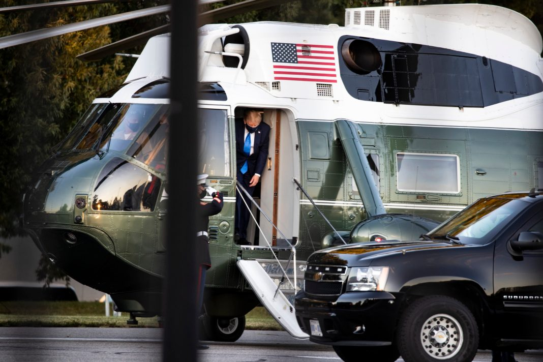WASHINGTON, DC - OCTOBER 02: U.S. President Donald Trump exits Marine One at Walter Reed National Military Medical Center on October 2, 2020 in Bethesda, Maryland. Trump announced that he and First Lady Melania Trump tested positive for COVID-19 early this morning. The President is expected to stay at the hospital overnight. (Photo by Alex Edelman/Getty Images)