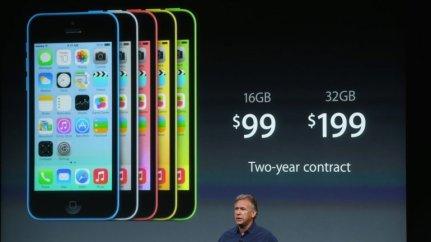 Phil Schiller, vicepresidente de martketing de Apple, reveló los precios del iPhone 5C