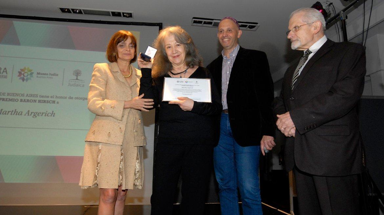 La empresaria Claudia Stad, Martha Argerich y los rabinos Sergio Bergman yShimon Moguilevsky