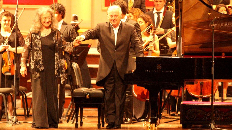 Martha Argerich y Daniel Barenboim: dos talentos inmensos sobre el escenario del Teatro Colón en el concierto de anoche, en el marco del segundo Festival Barenboim que continúa hasta el 8 de agosto con distintas actividades