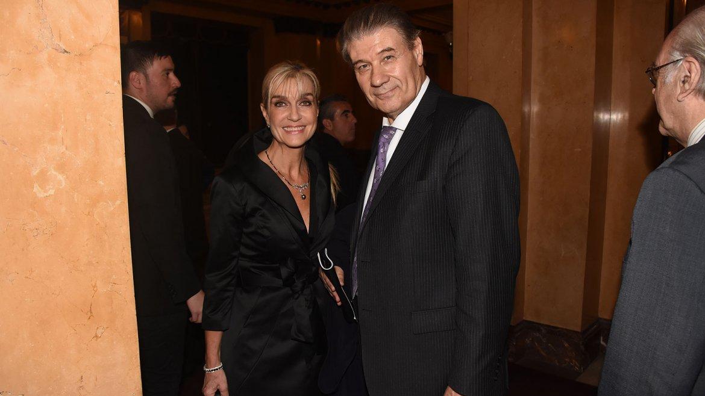 Víctor Hugo Morales y su esposa Beatriz, dos habituales visitantes del Teatro Colón, no podían quedarse afuera de semejante cita