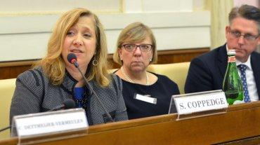 Susan Coppedge es Embajadora Especial de la Oficina de Vigilancia y Lucha contra la Trata de Personas del Departamento de Estado de Estados Unidos