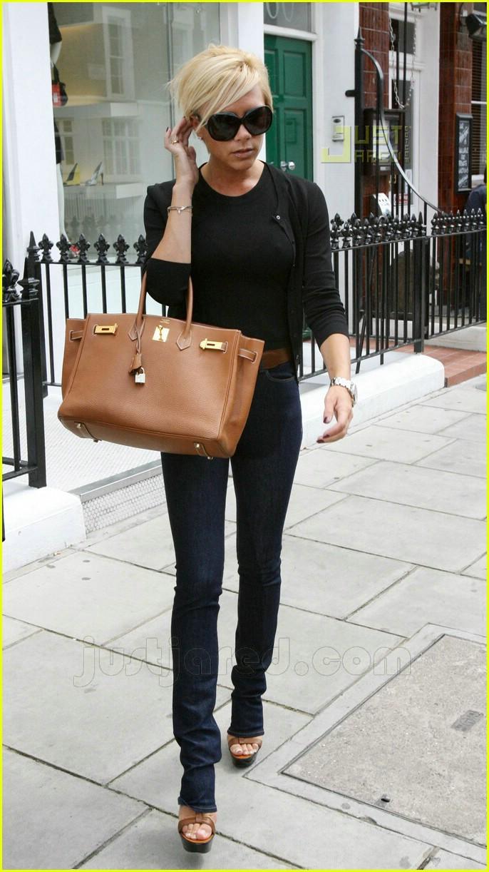 Full Sized Photo Of Victoria Beckham London Shopping 03