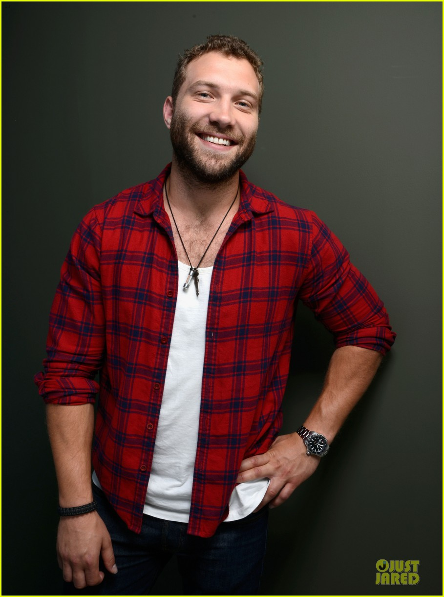 joel edgerton jai courtney felony tiff premiere portraits 16