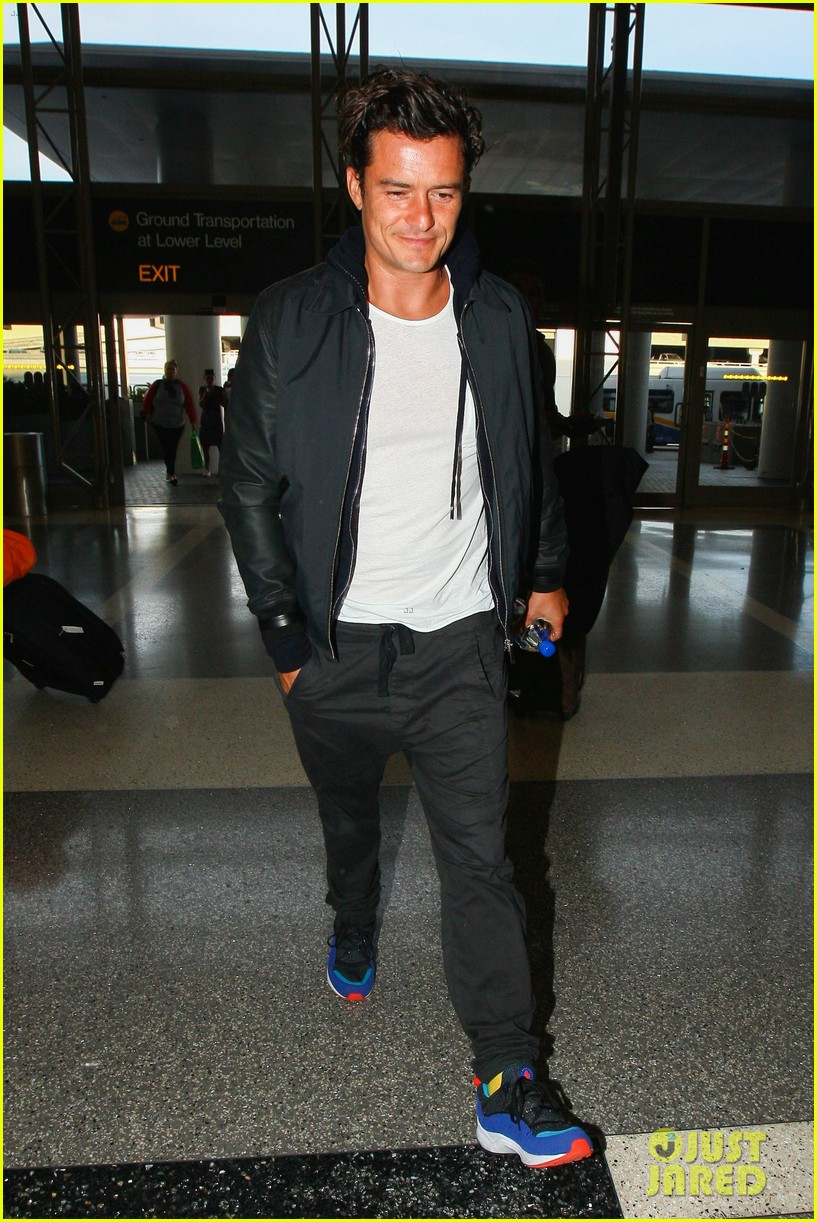 orlando bloom looks so hot for his lax airport departure 25