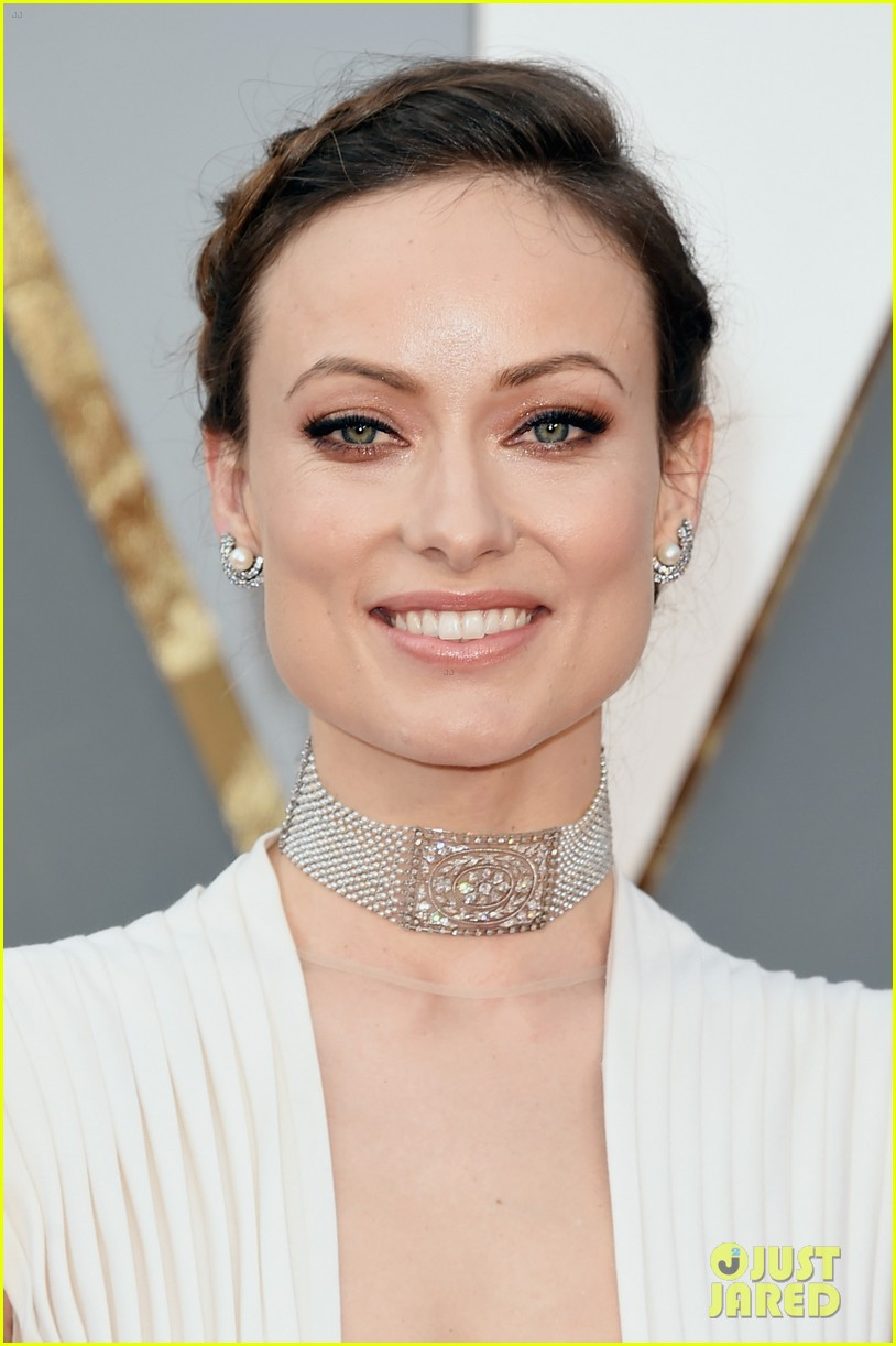 https://i2.wp.com/cdn02.cdn.justjared.com/wp-content/uploads/2016/02/wilde-oscars/olivia-wilde-jason-sudeikis-oscars-2016-red-carpet-04.jpg