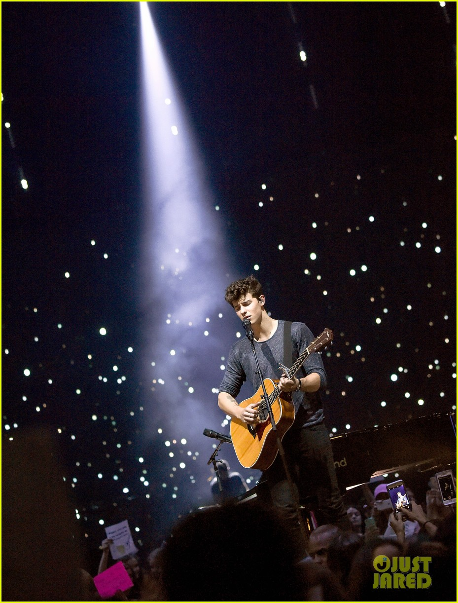 Shawn Mendes Performs Illuminate Tour Preview At MSG