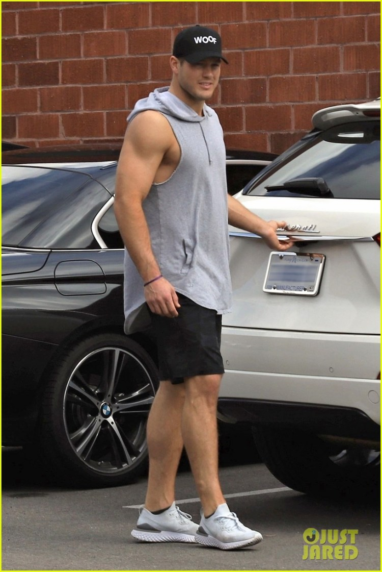 Full Sized Photo of colton underwood muscles after workout ...