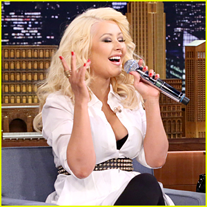 Christina Aguilera Does Epic Britney Spears Impersonation