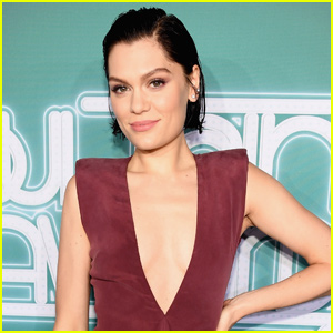 Jessie J Drops 'Santa Claus Is Comin' to Town' Lyric Video - Watch Now!