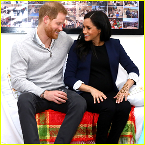 Pregnant Meghan Markle Gets a Henna Tattoo for Good Luck While Visiting Morocco With Prince Harry!