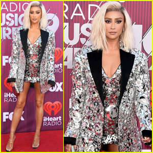 Shay Mitchell Shows Off Blonde Locks at iHeartRadio Music Awards 2019!