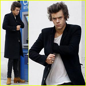 Harry Styles Stops at the ATM, Says Twerking is 'Inappropriate'