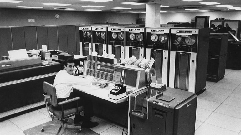 El proyecto ARPANET del Departamento de Defensa de EE.UU. es el antecedente de lo que hoy conocemos como internet.
