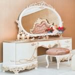 Casa Padrino Luxus Barock Schlafzimmer Set Rosa Weiss Creme Kupferfarben 1 Schminkkommode 1 Spiegel 1 Hocker Prunkvolle Schlafzimmer Mobel Im Barockstil Luxus Qualitat
