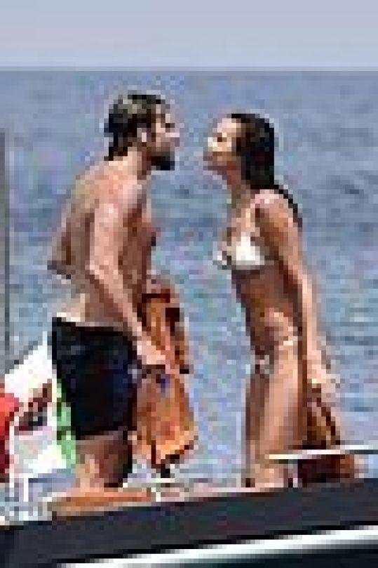 irina shayk bradley cooper kiss yacht 06