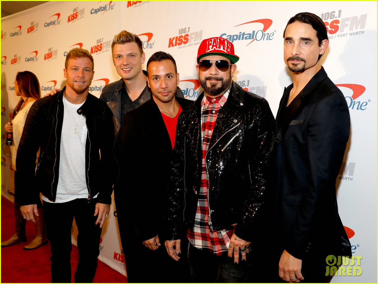 jingle ball tour kicks off in texas with hailee steinfeld backstreet boys more 053817690