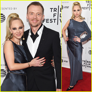 Juno Temple & Simon Pegg Debut 'Lost Transmissions' at Tribeca Film Festival!