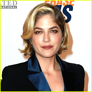 Selma Blair Responds to Accusations of Cultural Appropriation for Wearing Head Wrap