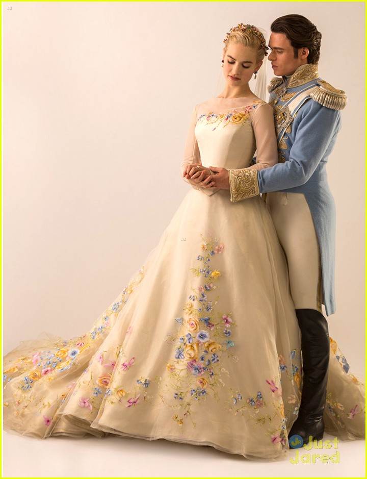 lily james see cinderella s wedding gown now photo 774156 photo