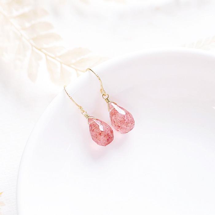 草莓晶磁場較強,也很適合招桃花