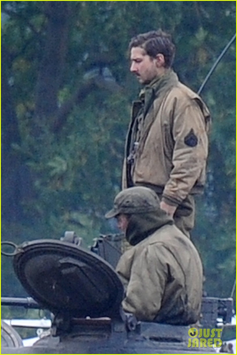 Brad Pitt Rocks Slicked Back Hair Amp Army Outfit On Fury