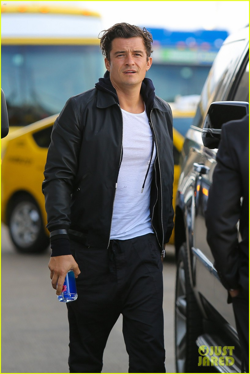 orlando bloom looks so hot for his lax airport departure 03