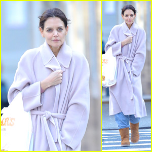 Katie Holmes Steps Out for an Early Morning Grocery Run in Chilly NYC