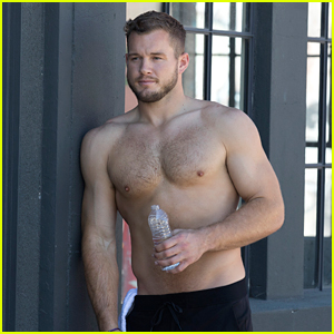 Colton Underwood Goes Shirtless for a Fitness Date on 'The Bachelor' (Photos)