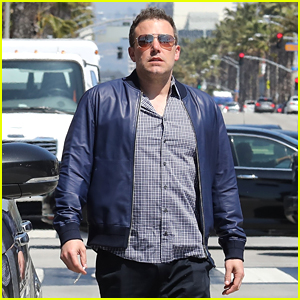 Ben Affleck Heads Out for a Solo Lunch in Santa Monica