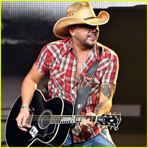 Jason Aldean Performs First Concert in Las Vegas Since Route 91 Harvest Festival Shooting in 2017