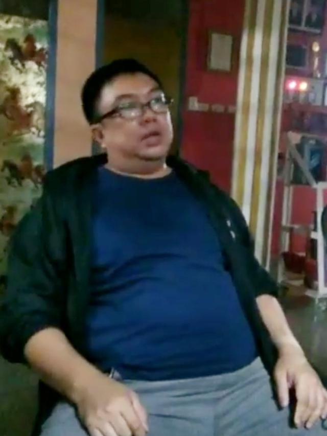 Heboh Video Oknum Sekuriti Tebar Paku di Depan Mall di Palembang