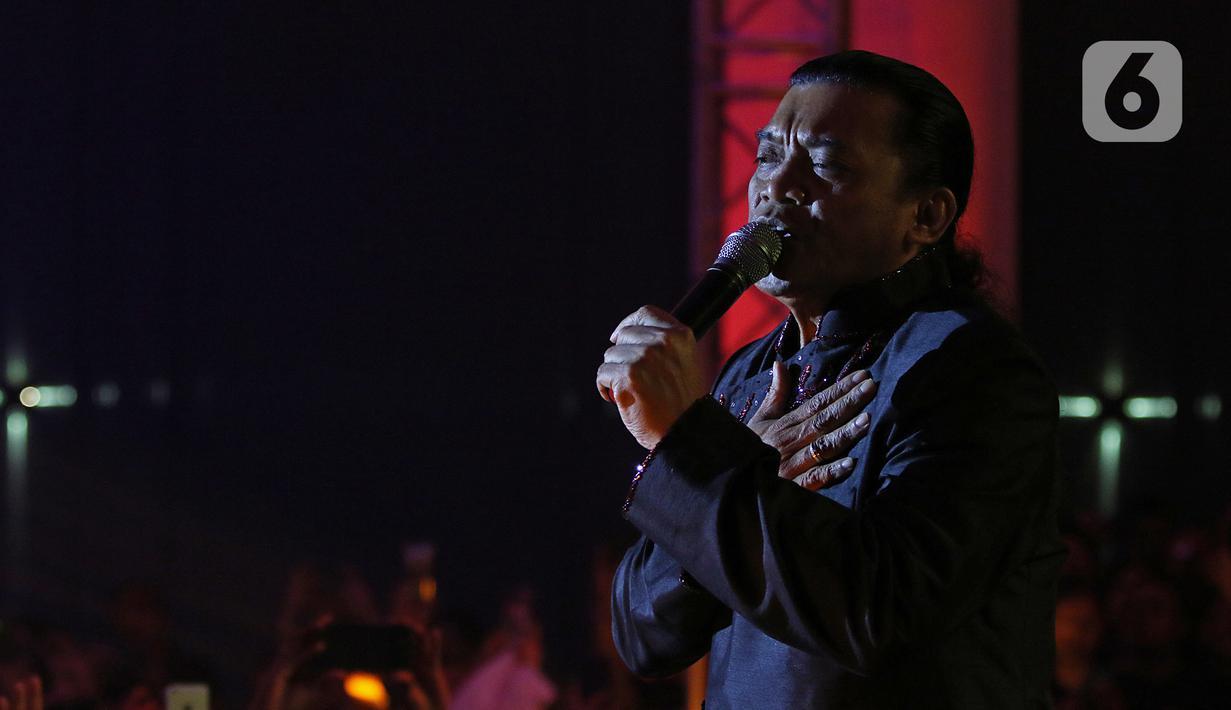 Foto Feature Konser Didi Kempot Bikin Hati Ambyar Showbiz