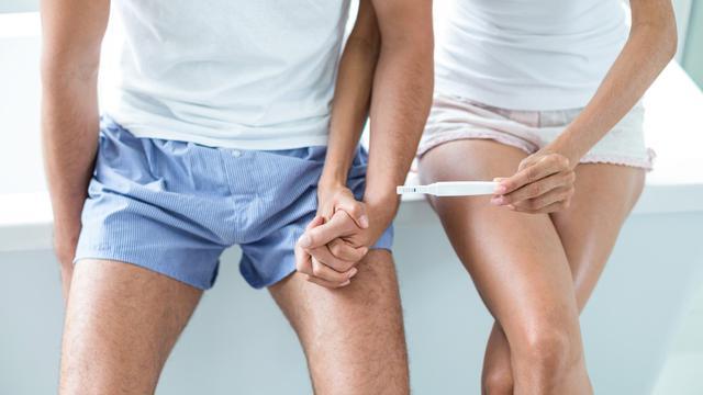 Kehamilan - test pack (iStock)