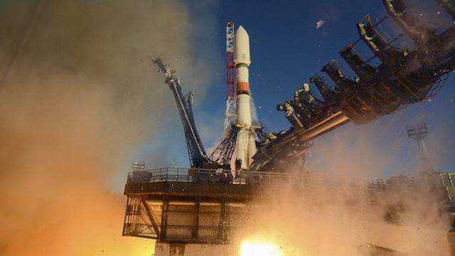 Peluncuran roket pengangkut Soyuz-2.1b. (Foto Kementerian Pertahanan Rusia)