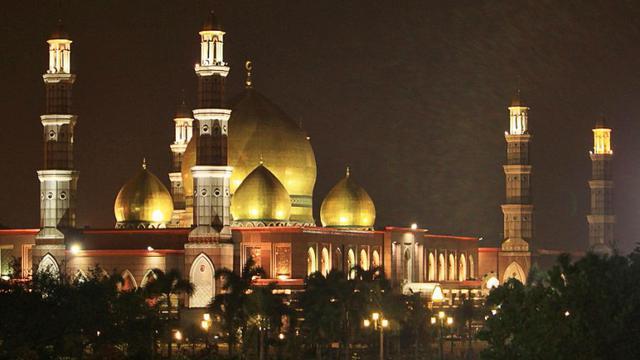 Ini Sosok Dian Al Mahri Pemilik Masjid Kubah Emas Depok Hot Liputan6 Com
