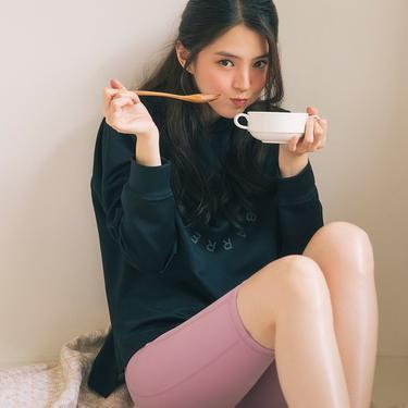 Han So Hee menjadi muse Barrel Fit. (Instagram/ barrel.fit)