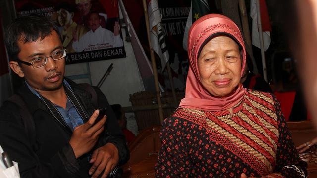 Ibunda Jokowi Sakit