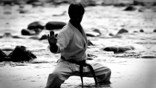 Jago Karate, Kakek 63 Tahun Selamat dari Serangan Beruang