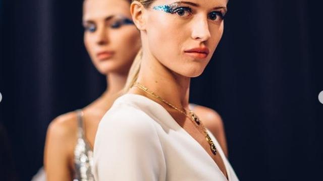 Gaya Makeup Disko Meriahkan New York Fashion Week 2019