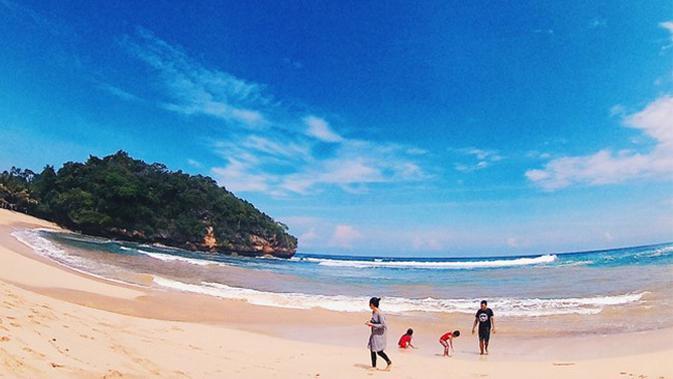 Pantai Ngliyep, Malang, Jawa Timur