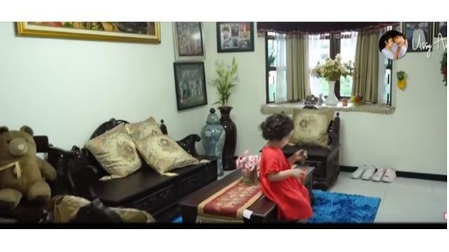 Ruang tamu di rumah Andhika Pratama di Malang, menurutnya ruang ini yang tak pernah berubah sejak dahulu.